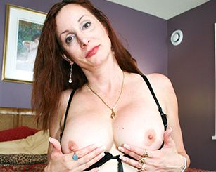 Milfs Kiss torrent